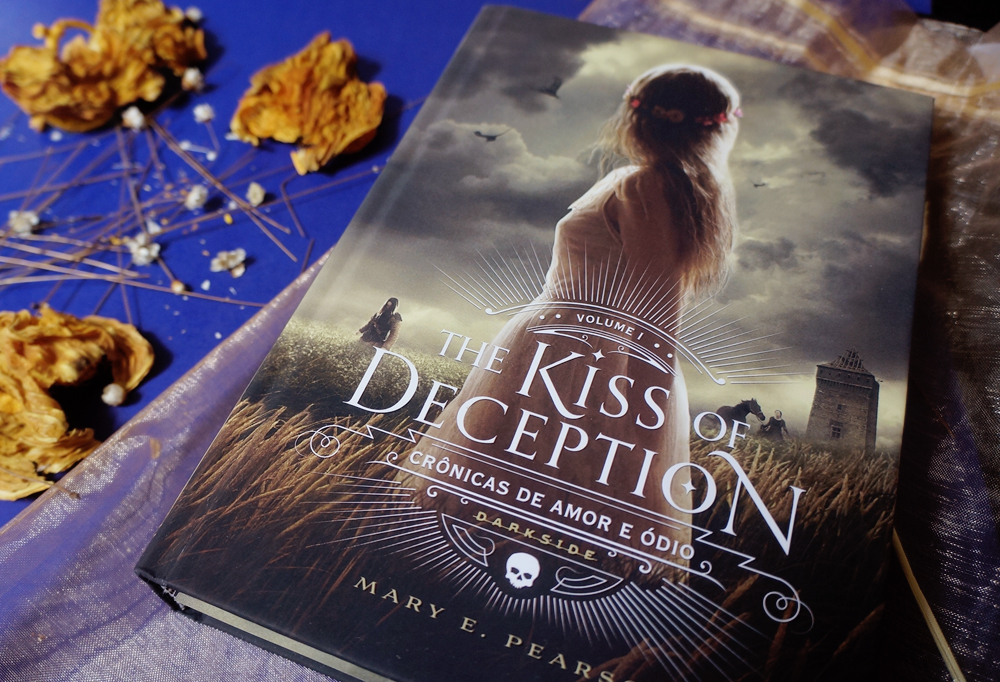 the-kiss-of-deception-mary-e-pearson-resenha-darkside-books